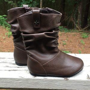 Children Place Boots size 6
